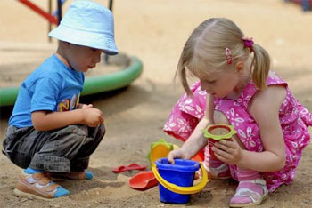 Учим ребенка налаживать знакомства