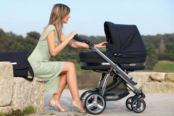Когда начинать гулять с новорожденными детьми?